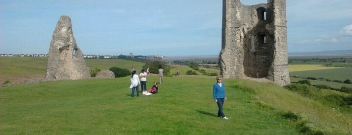 Hadleigh Castle is one of Lugares favoritos de Carl.