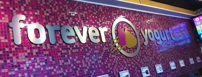 Forever Yogurt is one of สถานที่ที่บันทึกไว้ของ Darren.