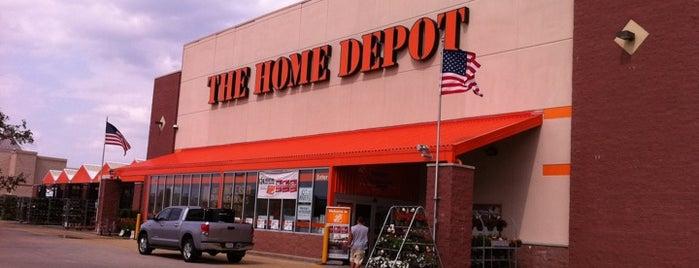 The Home Depot is one of Orte, die George gefallen.