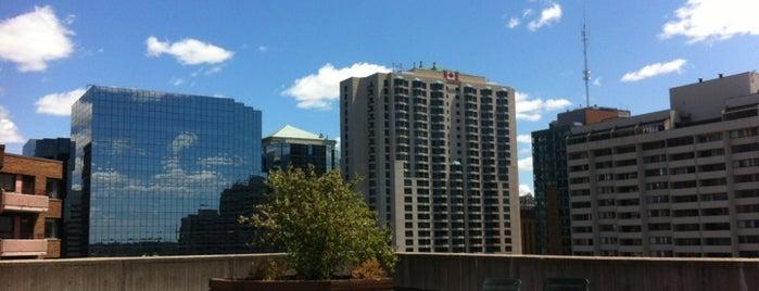 Albert At Bay Suite Hotel is one of Tempat yang Disukai Rick.