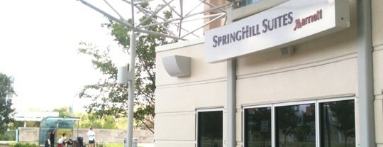 Springhill Suites Fitness Center is one of Lugares favoritos de Andrew.