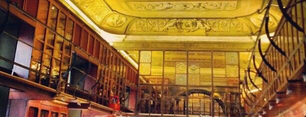 Ateneu Barcelonès is one of Bibliotecas de Barcelona.
