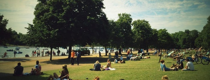 Hyde Park is one of Londra.