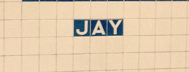 MTA Subway - Jay St/MetroTech (A/C/F/R) is one of Tempat yang Disukai Jason.