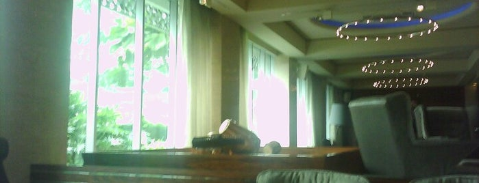 Lobby Nirwana Lounge is one of Tempat yang Disukai Chakra Indra.