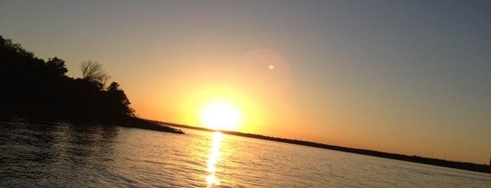 Lake Thunderbird is one of Oklahoma City.