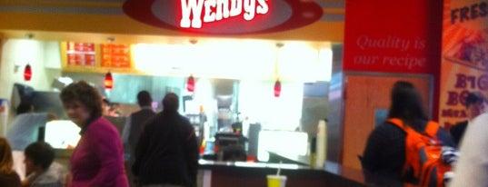 Wendy's is one of Posti che sono piaciuti a Enrique.