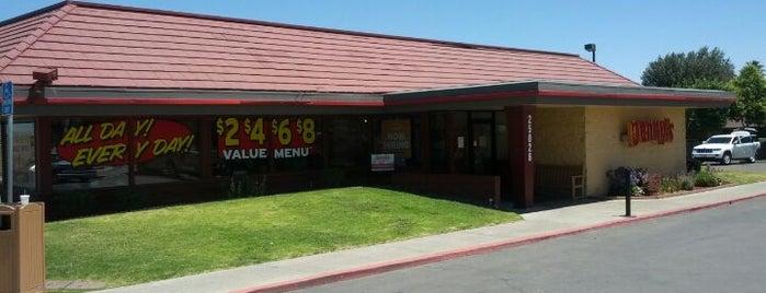 Denny's is one of Orte, die Nicholas gefallen.