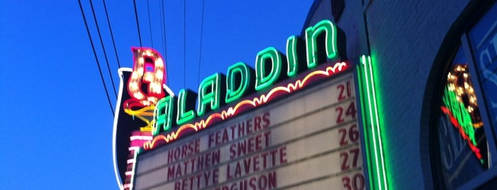 Aladdin Theater is one of Lieux qui ont plu à Tigg.