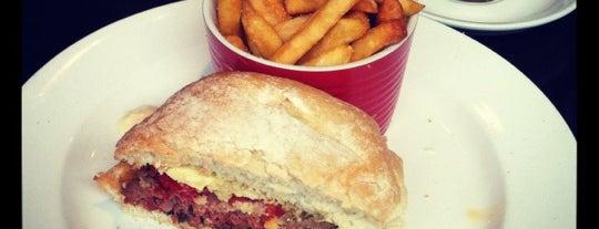 Strawberry X Cafe is one of Posti salvati di Denea.