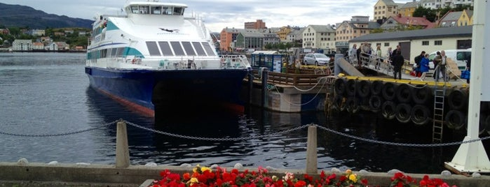 Hurtigbåtkaia (Kystekspressen) is one of Travel.