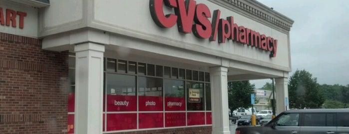 CVS pharmacy is one of Locais curtidos por Rob.