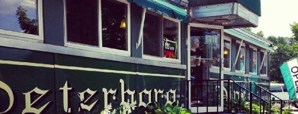 Peterborough Diner is one of Posti che sono piaciuti a Dana.
