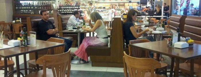Dona Padoca is one of Restaurante.