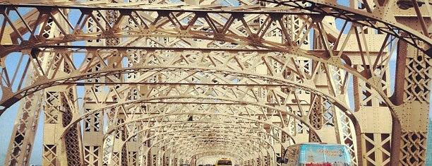 Puente de Queensboro is one of next.
