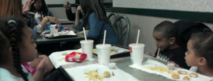 McDonald's is one of Jackie 님이 좋아한 장소.