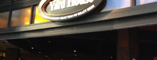 Yard House is one of Lugares guardados de Robert.