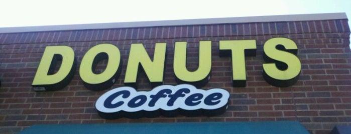 Donuts-N-Coffee is one of Lugares favoritos de Tony.