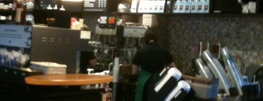 Starbucks is one of Locais curtidos por Catador.