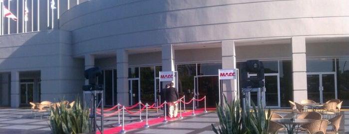 Miami Airport Convention Center is one of Steven'in Beğendiği Mekanlar.