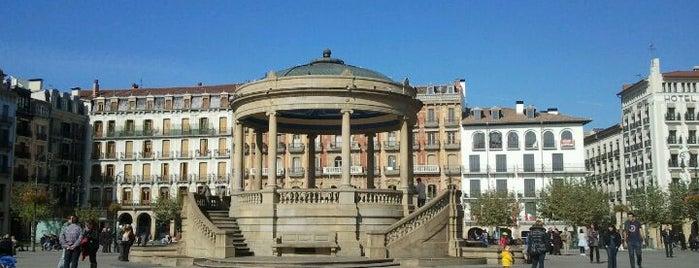 Plaza del Castillo is one of Reyno de Navarra, Tierra de Diversidad.