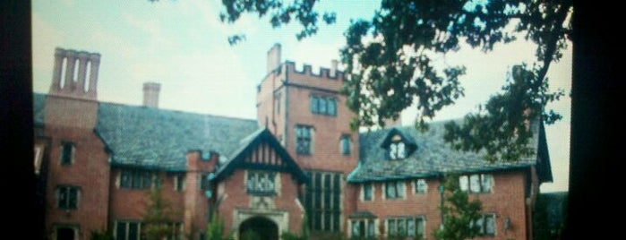 Stan Hywet Hall & Gardens is one of South of Cleveland and Ashtabula.