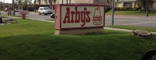 Arby's is one of Tempat yang Disukai Donna.