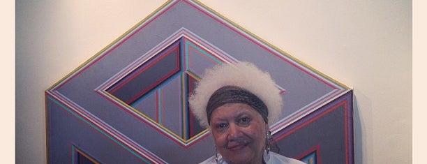 Dell Pryor Gallery is one of Locais curtidos por Urban Organic.