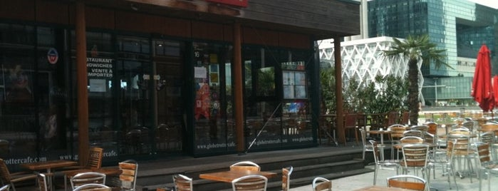 Globe Trotter Café is one of Les endroits où manger et boire dans Courbevoie.