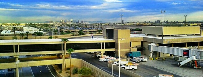 Phoenix Sky Harbor International Airport (PHX) is one of Airports Visited.