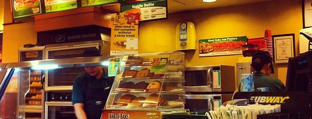 Subway is one of Lugares favoritos de 冰淇淋.