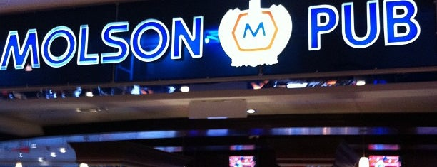 Molson Pub is one of Sonnyさんのお気に入りスポット.