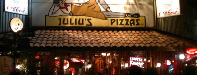 Juliu's Pizza is one of Los #BBBdeTazy en comida.