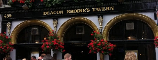 Deacon Brodie's Tavern is one of The Dog's Bollocks' Auld Reekie (Edinburgh).