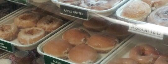 Krispy Kreme Doughnuts is one of Oscar : понравившиеся места.
