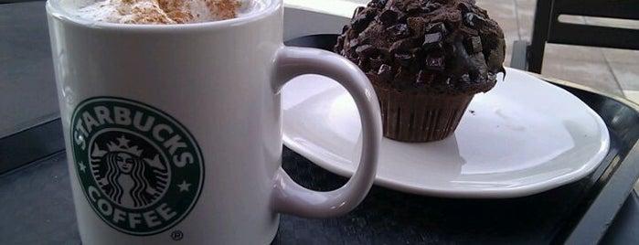Starbucks is one of สถานที่ที่ Venice ถูกใจ.