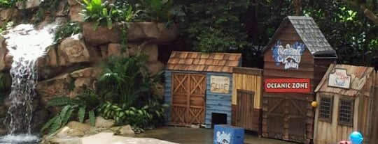 Singapore Zoo is one of Visit Singapore: FindYourWayInSG.