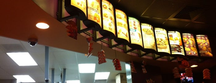 Taco Bell is one of Locais curtidos por Mei.