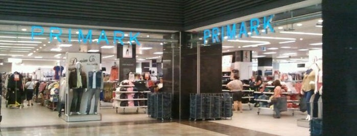 Primark is one of Silviaさんのお気に入りスポット.