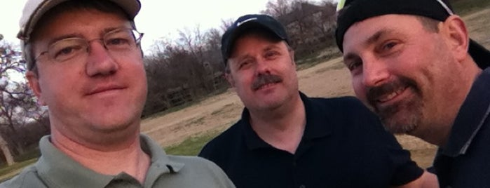 Grand Oaks Golf is one of Orte, die John gefallen.