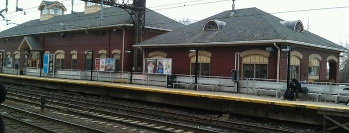 Metro North - South Norwalk Train Station is one of New Haven Line & Northeast Corridor (Metro-North).