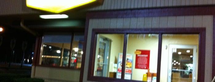 Denny's is one of Lieux qui ont plu à Michael.