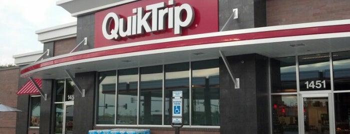 QuikTrip is one of Tempat yang Disukai Thomas.