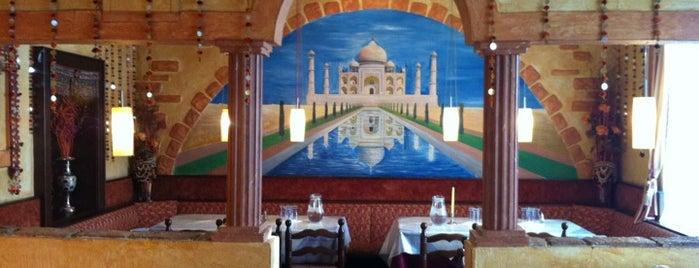 Taj Mahal is one of Locais curtidos por Nabil.
