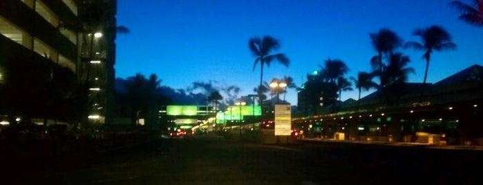 Aeropuerto Internacional de Honolulu (HNL) is one of Airports - worldwide.