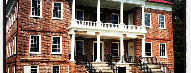 Drayton Hall is one of Charleston.