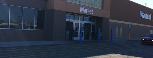 Walmart Supercenter is one of Lieux qui ont plu à Pup.