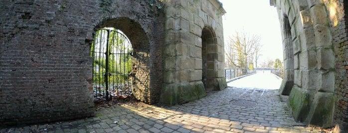Fort 2 is one of Fortengordel.