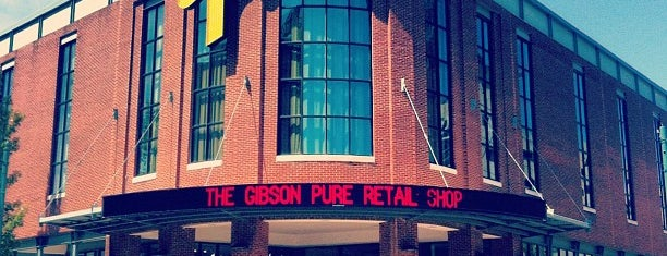 Gibson Guitar Company is one of Aljon 님이 좋아한 장소.
