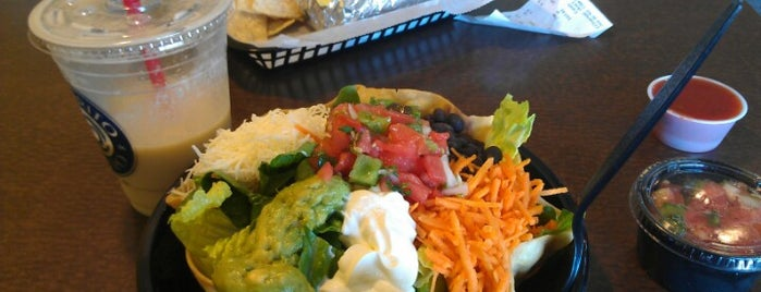 """Burrito Bistro (""""B2"""") is one of Lugares favoritos de Hayley."""